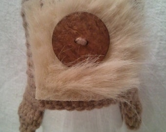 0 to 3 Month Tan w/Coconut shell Button n Tan fur Aviator Hat