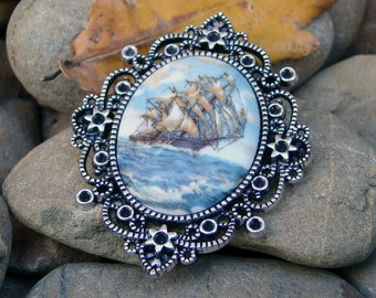 Ancient Mariner Porcelain Cameo Brooch Pendant