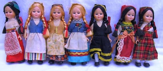 Vintage Dolls of The World Vintage Dolls of The World