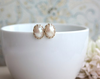 Wedding Earrings. Champagne Pearl 18K Gold Plated Lace Crown Ear Post Earrings. High Quality Faux Pearl. Bridesmaid Gifts, Blush Cream