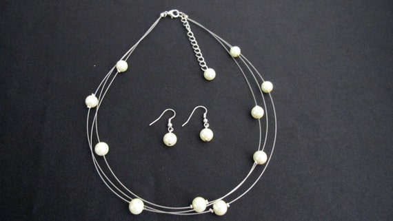 Timeless Elegant Three Stranded Ivory Pearl Necklace Earrings Free Shipping In USA