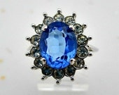 Avon 1972 Creation in Blue Vintage Cocktail Style Ring -  Size 6