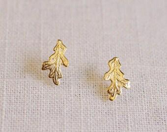 oak leaf earrings . oak leaf stud earrings . leaf jewelry . autumn jewelry . oak leaf jewelry // 2OAKS
