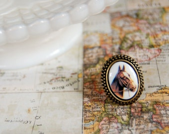 equestrian vintage ring- antique brass- horse cabochon- adjustable