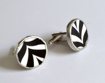 Broken China Cuff Links - Black and White Chevron