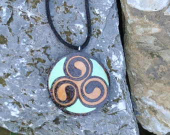 Round Celtic Spiral Gourd Pendant Necklace