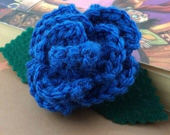 Crocheted Rose Lapel Pin - Blue (SWG-PL-HWRA01)