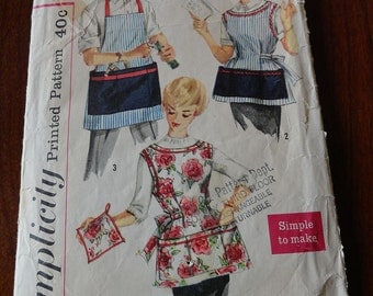 Vintage 50s Simplicity 3206 Apron Pattern with Pockets size M