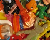 20 Pieces of PLASTIC GOODNESS : Plastic Charm and Trinket Sampler