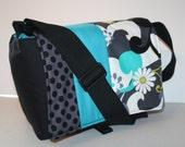 Digital Slr CAMERA Bag Dslr camera case bag Purse Womens 4 daisy ta dot /cell/lens cap/ pkts MD XcessRize Designs