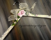 Bridesmaid  Dress Hangers Shabby Chic Ivory Crackled Paint Hand Painted Roses Bride Hangers No Wire Wedding Photo Prop