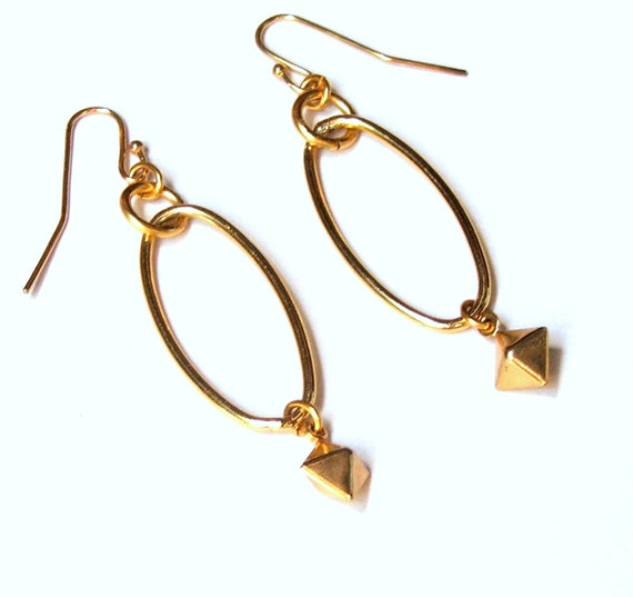Modern Hoop Earrings, Gold Oval Hoops, Geometric Earrings, Dangle Charm Bead, Geometrical Shape, Gold Pyramid Bead, Everyday Earrings