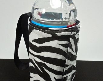 Whats Up Your Sleeve Insulated Reversible Cloth Water Sleeve Zebra Stripes
