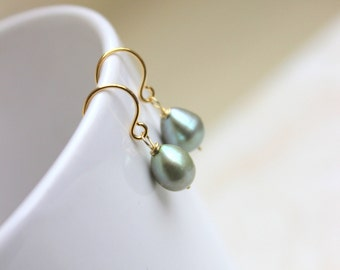 Sage Green Pearl Earrings teardrop Gold GE16