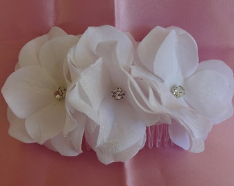 Bridal Hair Wedding Hair Flower Comb White Hydrangea Hair Comb with Rhinestones