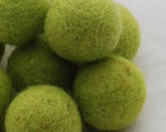 10 Felt Balls - 3cm - Yellow Green