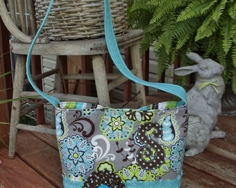 """MESsENGeR STyLE CROssBODY   """"CUTE LIL' BAGS""""  for cute lil' girls  medium tote bag in fun blue / green / grey / brown mixed prints"""