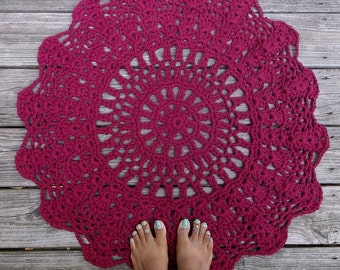 "Wine Red Cotton Crochet Rug 30"" Circle Pineapple Lacy Pattern READY TO SHIP"