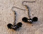 Dainty Black Lampwork Bats SRA DeSIGNeR EarRiNgs Halloween Spooky Bat