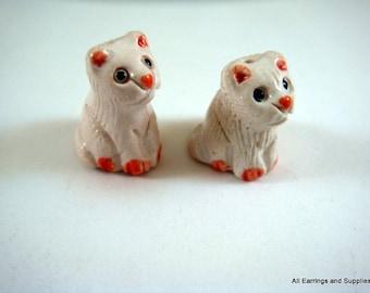 SALE - 2 White Kittens Bead Animal Bead Ceramic Hand Painted Glazed 19x14mm - 2 pc - 6136