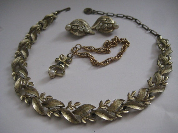 price dropped on lot of jewelry lisner choker and by
