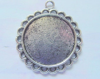 5 Circle Pendant Blank Trays With Scalloped Edge 20mm Antique Silver EB502