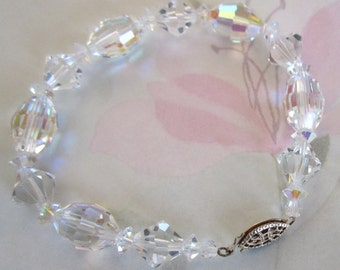 vintage cut crystal AB beaded bracelet - j5236
