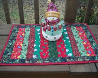 Christmas Holiday, Table Runner Quiltsy Handmade