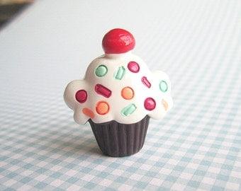 SUPER CUTE PROMO : Chocolate Cupcake Brooch