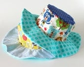 Reversible baby sun hat, photo prop, baby shower gift with giraffes and bears