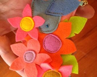 Flower Power Necklace / Boho Necklace / Felt Bird Necklace