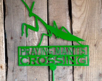 Praying Mantis Crossing Garden Stake (I 18)
