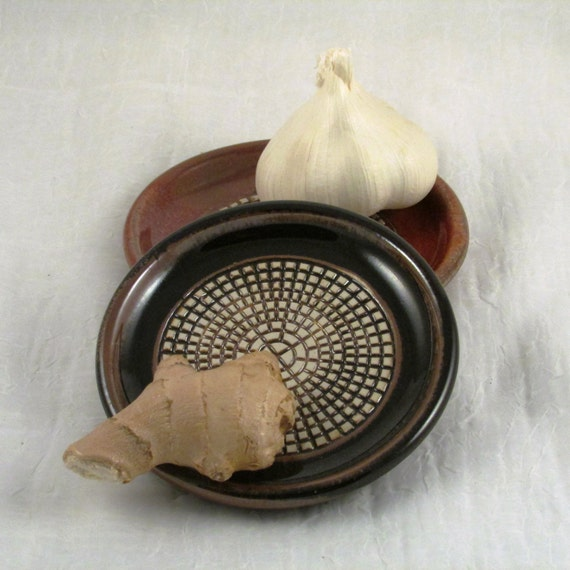 Ceramic Garlic Grater Dish  Ginger Grating Bowl Blue Grinding Plate Wheel Thrown Stoneware Ceramics Pottery