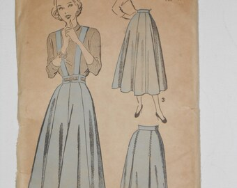 Vintage 40s Gored or Pleated Skirt Pattern Advance 4780 Size Waist 32 Hip 41
