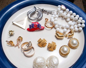 Vintage LOT of Earrings Necklace Brooches 14 pieces