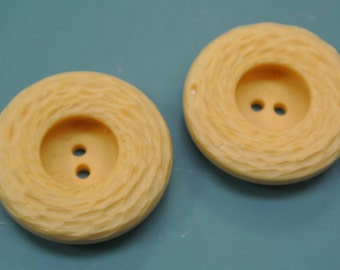 Lot of 4 larger vintage 1950s unused structured light yellow plastic buttons for your sewing prodjects