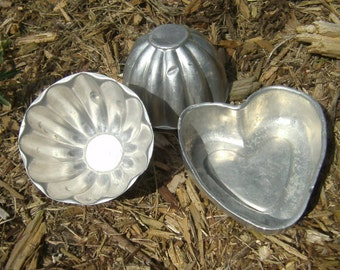 Vintage Aluminum Molds - Tart Molds - Candle Molds - Jello Molds - Aluminum Molds - Heart Shape Mold - Cup Molds