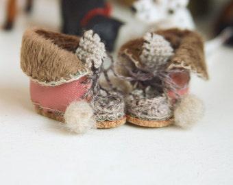 jiajiadoll- Handmade- pink! Hand Knited leather boots shoes fits momoko- blythe -Misaki- Unoa light- Lati yellow