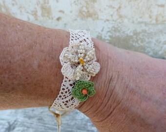 DENTELLE d'ete  Lace and crochet flowers bracelet French handmade