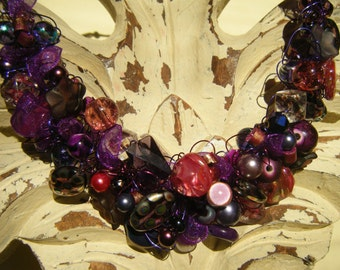Sangria Crocheted Wire Necklace