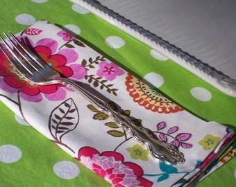 Dinner Napkins, Set of 4 Napkins, Pretty Modern Flowers, Spring Flowers Napkins, Pink Flower Napkins, Large Napkins, Cloth Napkins