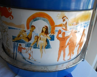 Triple cake and doubledecker pie carrier Vintage Great Sports graphics