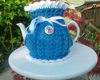 Knitted Tea Cosie        Ellie May