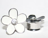 "Large White Flower Plugs 3/4"" 19mm"