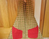 Lovely Vintage Reversible Apron With Apples On One Side And Cherries  On Other Side With Scalloped Bottom