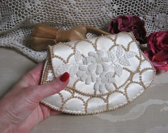 Vintage brides evening clutch, creamy faux pearl satin small pouch,  white seed bead bugle bead tiny clutch, La Regale brides bag Japan