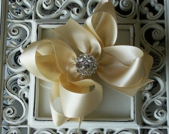 NEW ITEM----Mini Boutique Doubled Layered Hair Bow Clip with RHINESTONES-----Cream Satin---