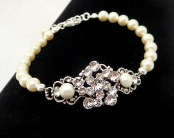 Bridal bracelet, Pearl Wedding bracelet, Wedding jewelry, Swarovski crystal bracelet, Pearl bracelet, Antique silver bracelet, Vintage style