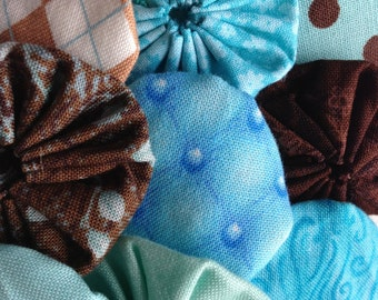 fabric yoyo suffolk yo flower, aqua and brown Fabrics, 25 pieces, scrapbook Embellishment quilt GARLAND decoration