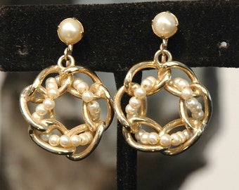 Funky Chain Earrings, Vintage Bride, Fun Entwined Hoops, Faux Glass Pearls, Gold Plated, Mint Condition